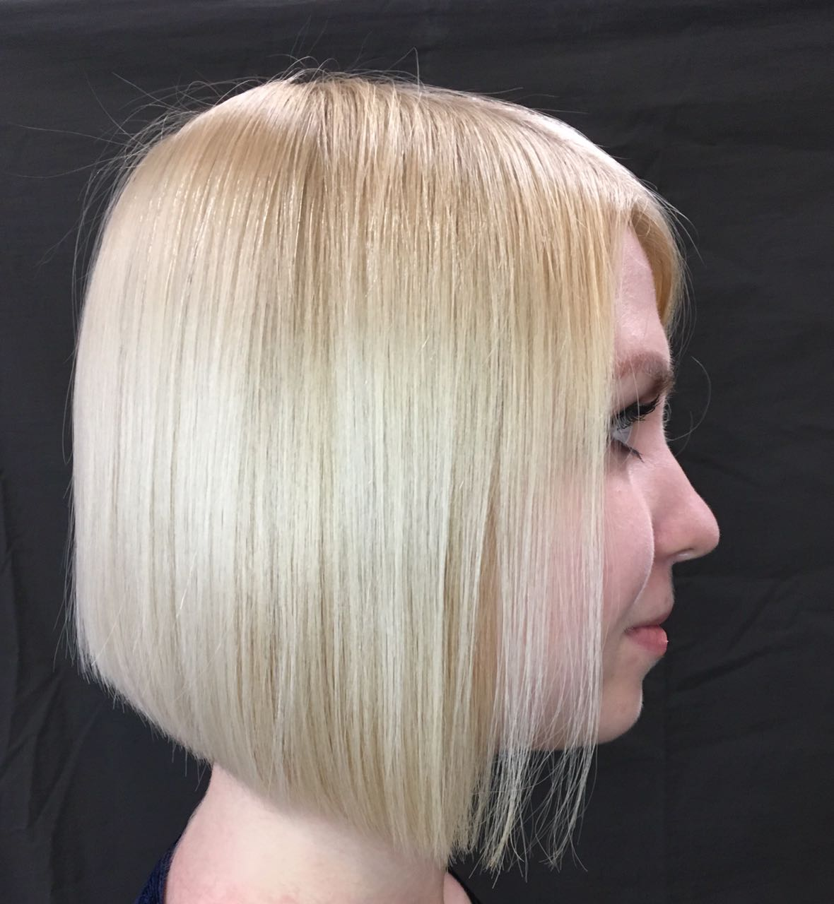 Скидка 25% на кератиновое выпрямление и ламинирование волос